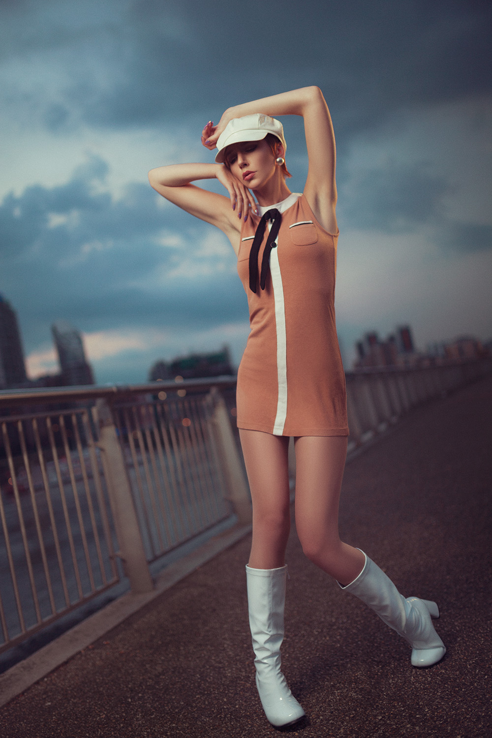 60s themed photoshoot by the side of the River Thames